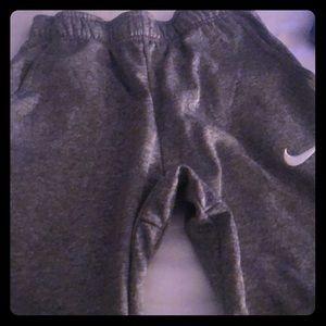 Nike joggin pants